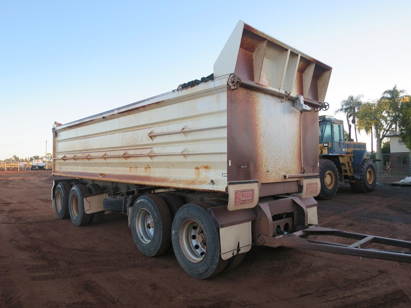 j smith & sons quad axle dog tipper 500807 003