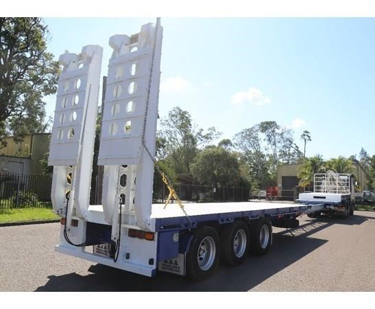 aaa 45' extendable drop deck without bi-fold ramps 505237 017