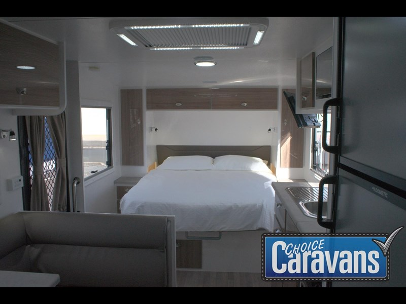 retreat caravans fraser 180c 515705 027