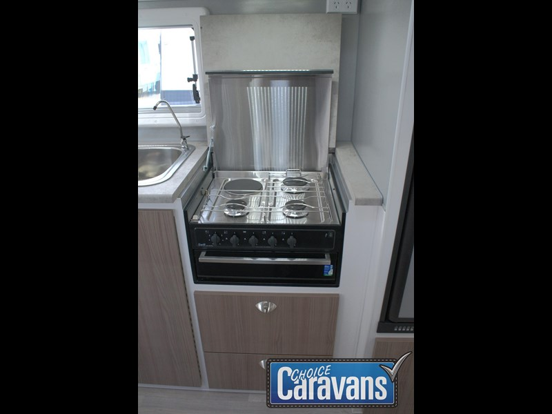 retreat caravans fraser 180c 515705 043