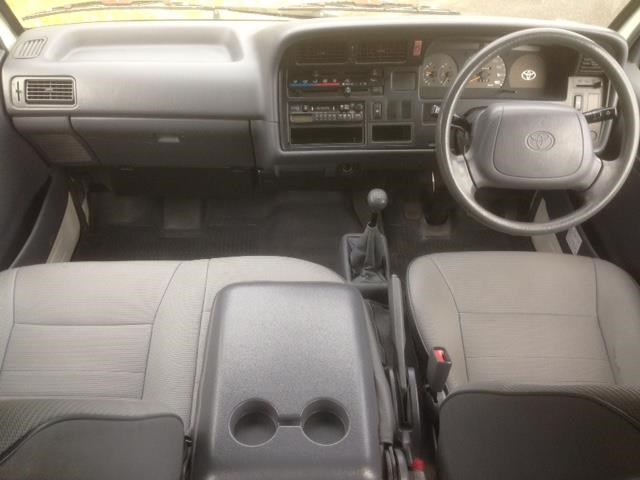 toyota hiace (only 90,000 km) 517873 007