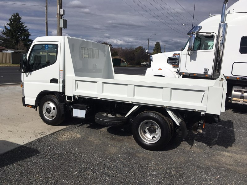 fuso canter 515 city cab tipper 520997 003