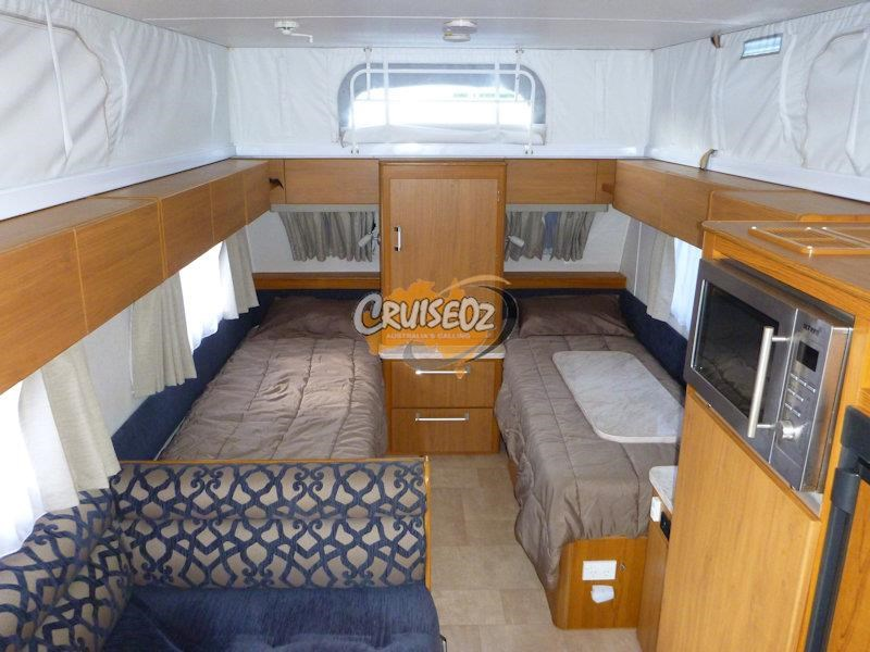 jayco sterling 17.55-4 - single beds 523263 005