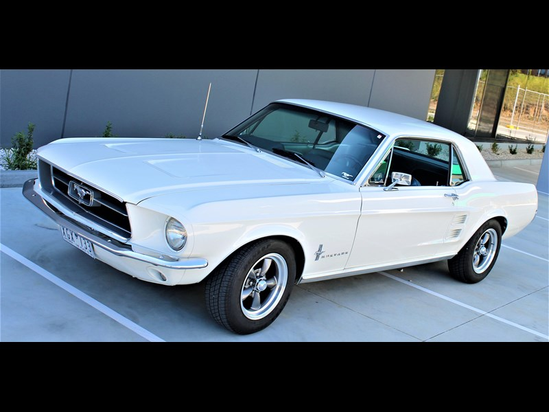 ford mustang 525402 043