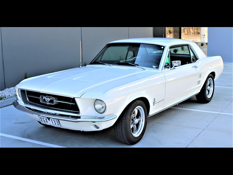 ford mustang 525402 047