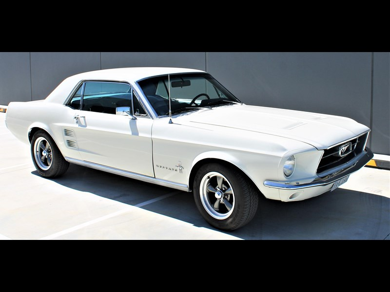 ford mustang 525402 049