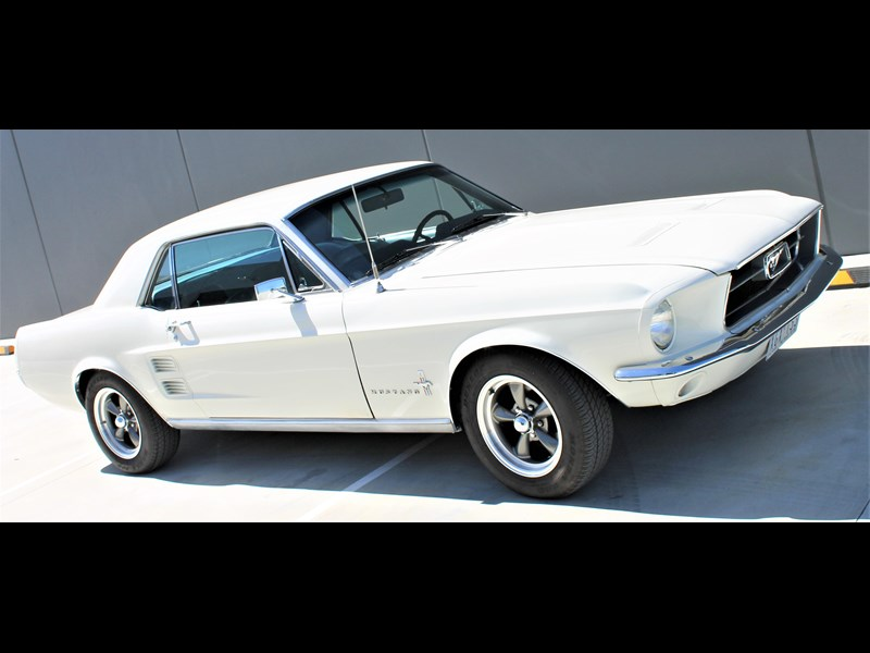 ford mustang 525402 051
