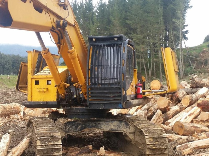 hyundai 320lc-9 logger with woodsman pro800 processor 525741 011