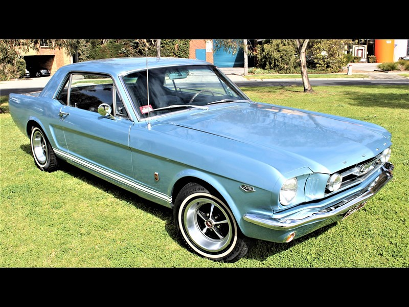 ford mustang 529008 027