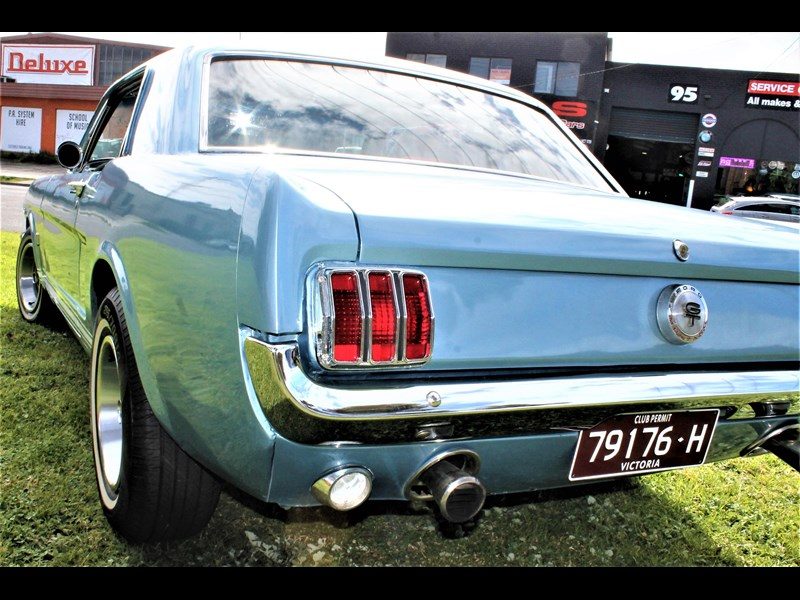 ford mustang 529008 055