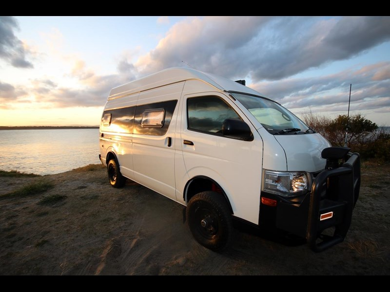 toyota 2013 hiace commuter - campervan conversion 516241 003