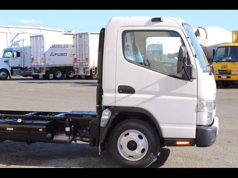 fuso canter 515 wide 531458 009