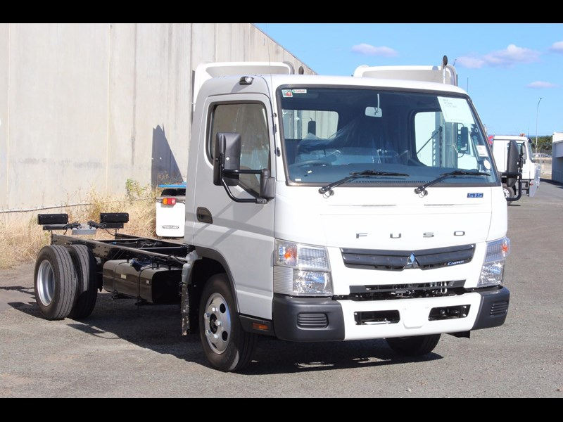 fuso canter 515 wide 531458 001