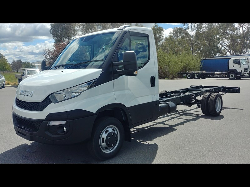 iveco daily 45c17a8 533527 011