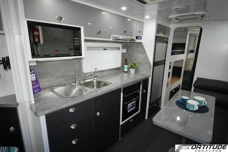 fortitude caravans ever ready family 548116 017