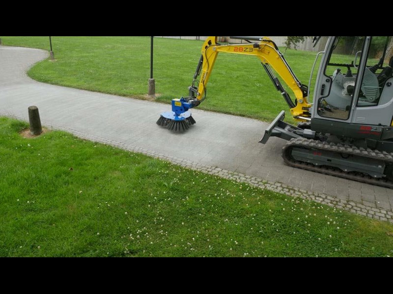 slanetrac rb80 sweeper with hitch 550890 017