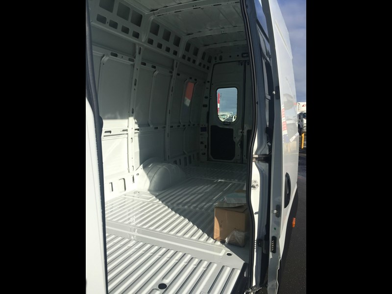 iveco daily 50c21 553045 021