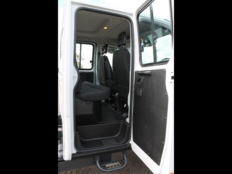 iveco daily 55 s17 553046 025