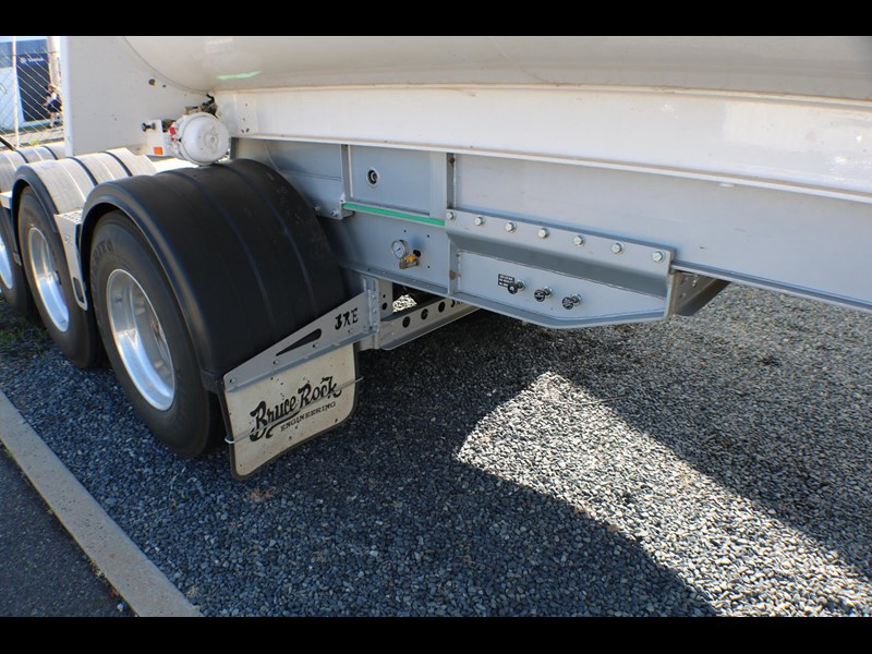 bruce rock engineering b-double slider bulk tippers 555491 051