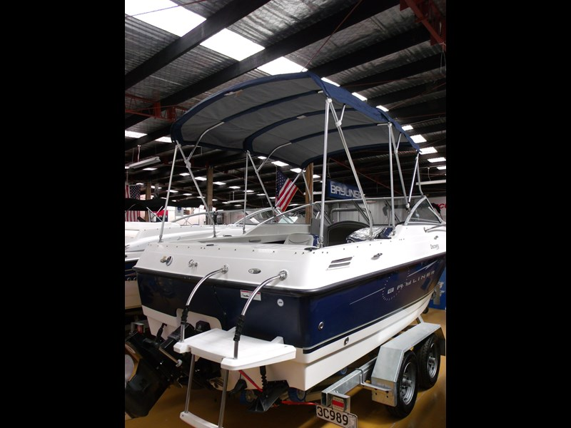 bayliner 192 discovery cuddy cabin 457745 035