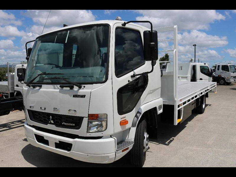 fuso fighter 556558 007