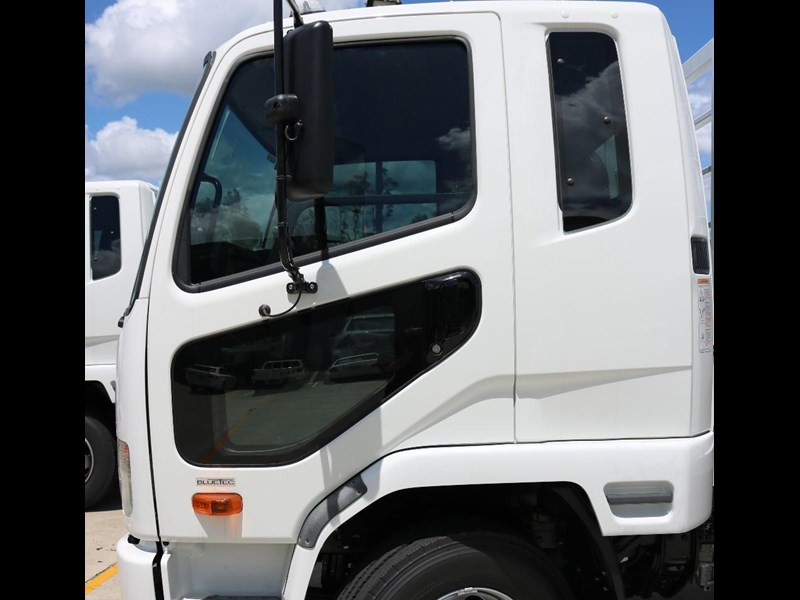 fuso fighter 556558 009