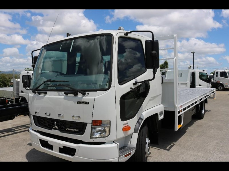 fuso fighter 556558 005