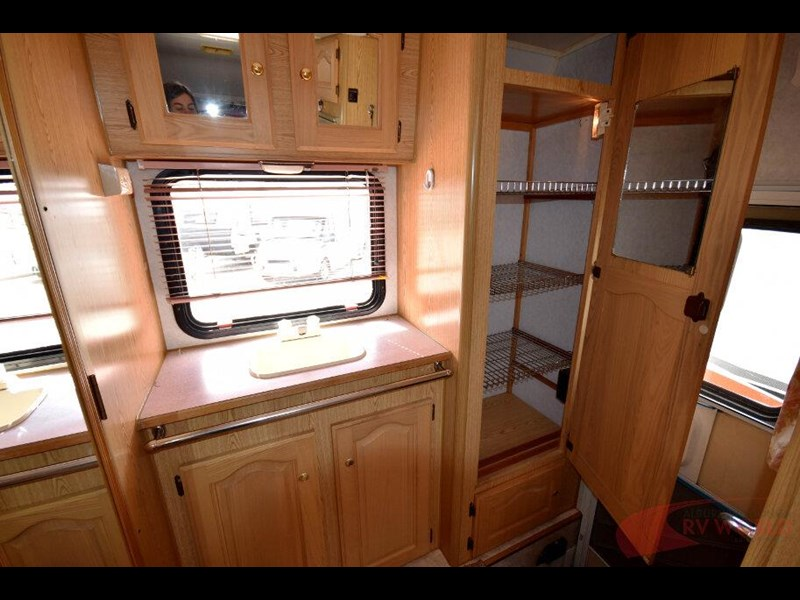 winnebago industries alpine 557207 029