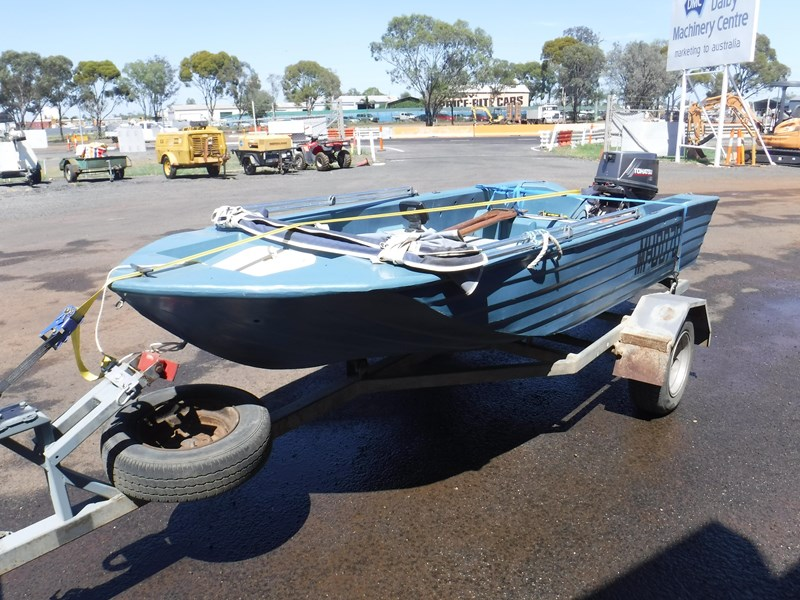 bushman open dinghy runabout boat 558073 001