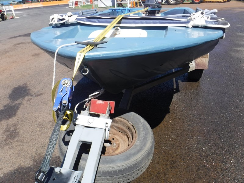 bushman open dinghy runabout boat 558073 005