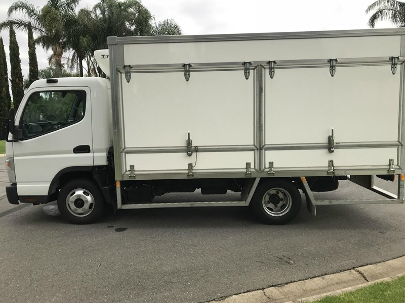 fuso canter 515 wide 558392 011