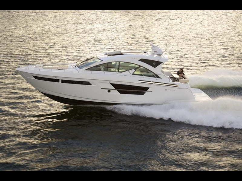 cruiser yachts 54 cantius sports yacht 560075 003