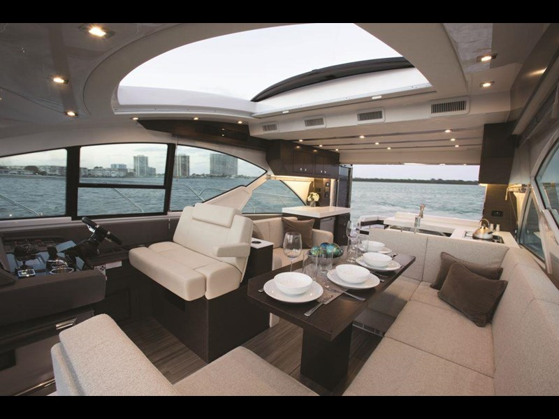 cruiser yachts 54 cantius sports yacht 560075 009