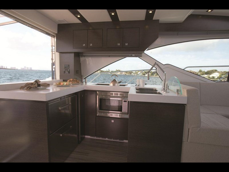 cruiser yachts 54 cantius sports yacht 560075 011