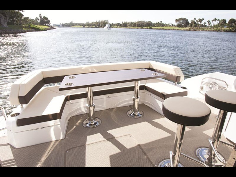 cruiser yachts 54 cantius sports yacht 560075 017