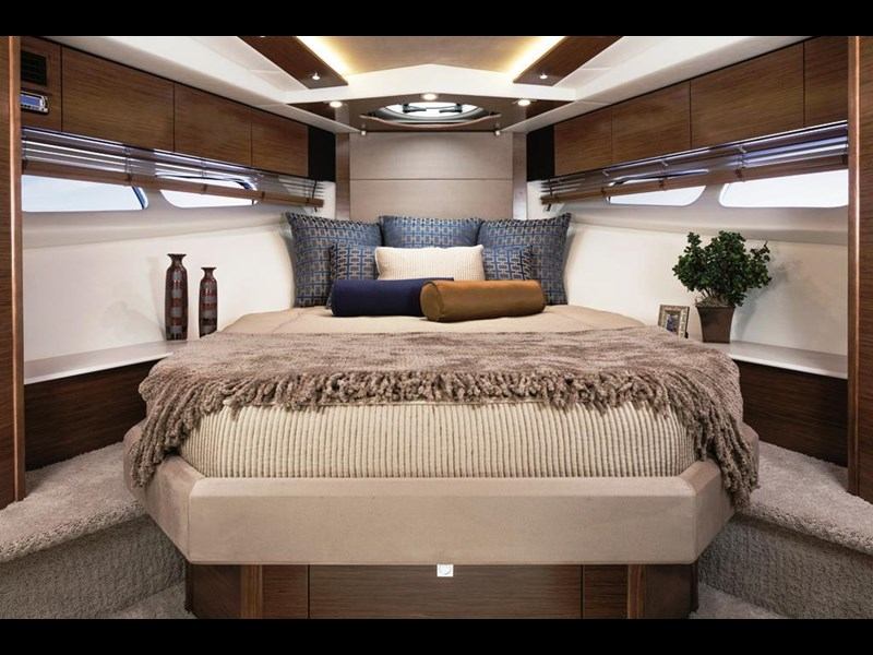cruiser yachts 45 cantius sports yacht 560078 005