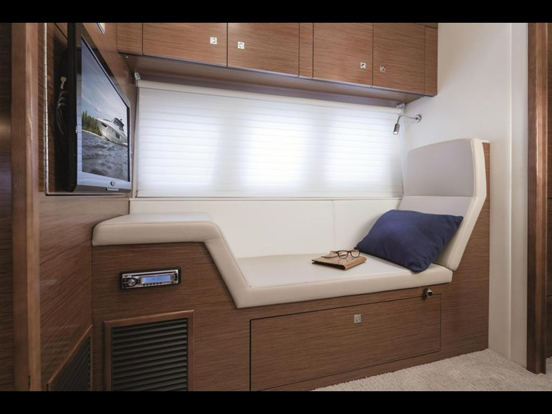 cruiser yachts 45 cantius sports yacht 560078 007