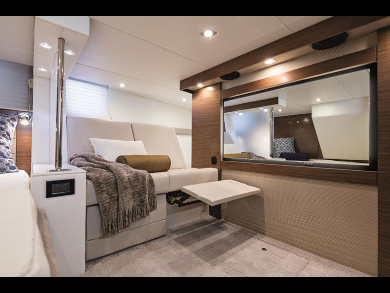 cruiser yachts 45 cantius sports yacht 560078 009
