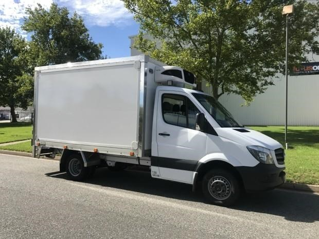 mercedes-benz sprinter 560384 003