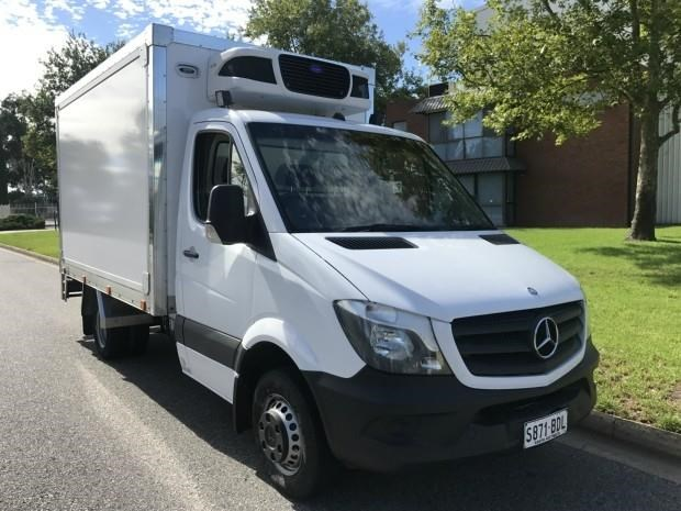 mercedes-benz sprinter 560384 005