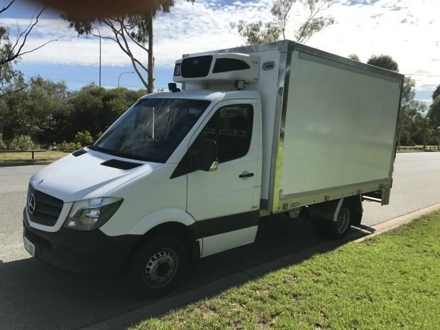 mercedes-benz sprinter 560384 007