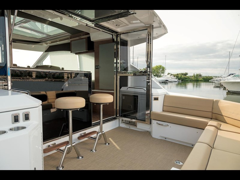 cruiser yachts 45 cantius sports yacht 560078 019
