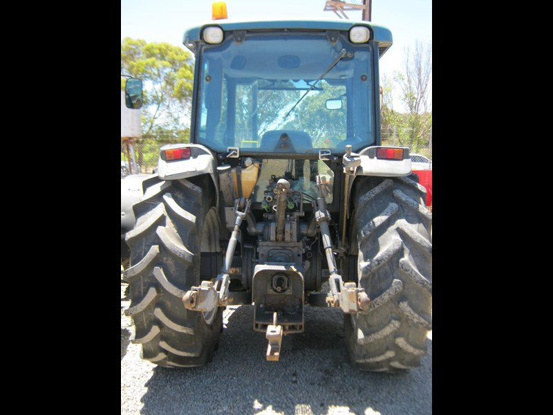 new holland tn65d 4 wheel drive tractor 564048 005