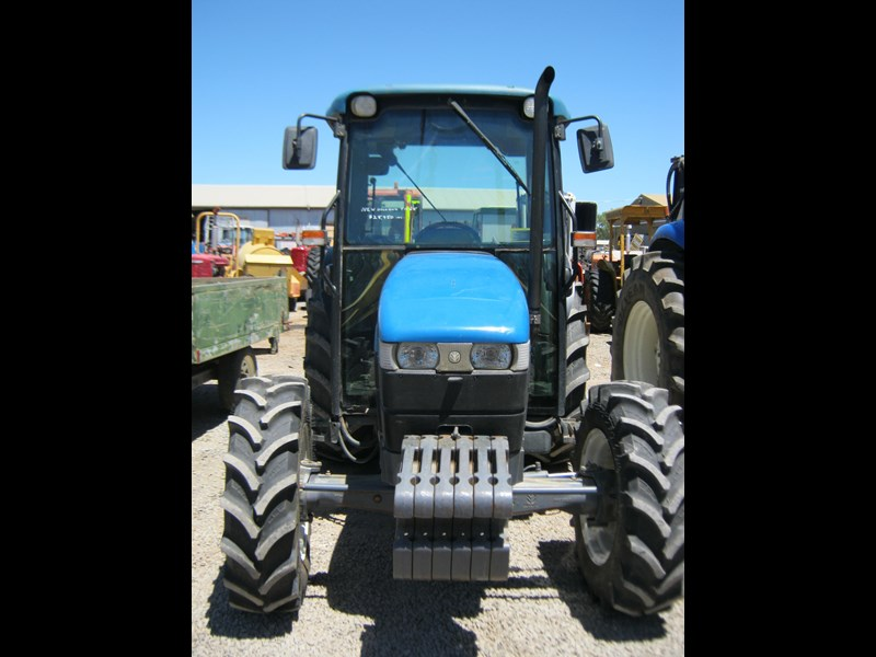 new holland tn65d 4 wheel drive tractor 564048 003