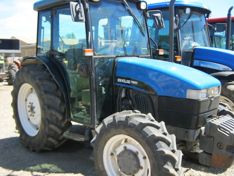 new holland tn65d 4 wheel drive tractor 564048 009