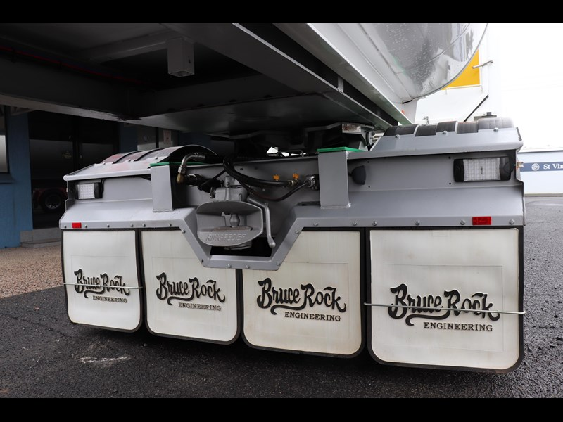 bruce rock engineering b-double slider bulk tippers 555491 049