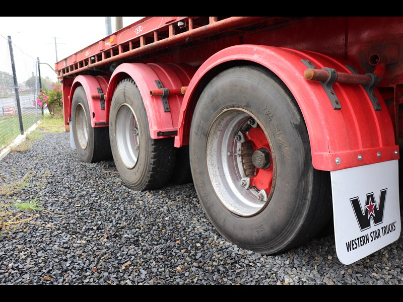 haulmark flat top extendable semi trailer 568096 019