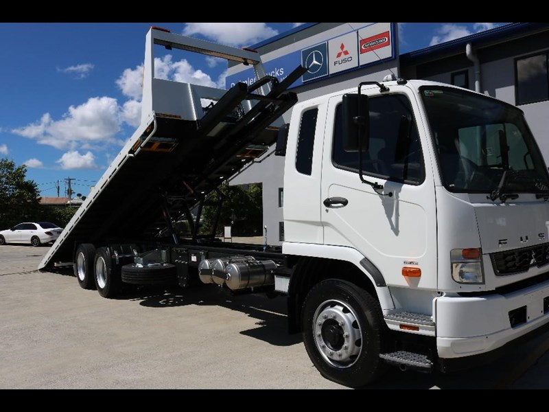 fuso fighter 566605 003