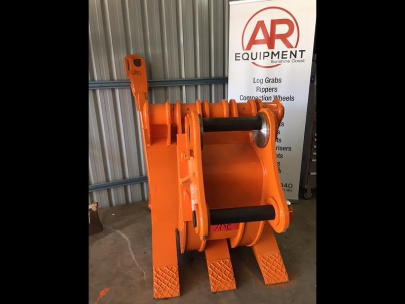 ar equipment are 20-24 ton log demo mechanical grab 444370 017
