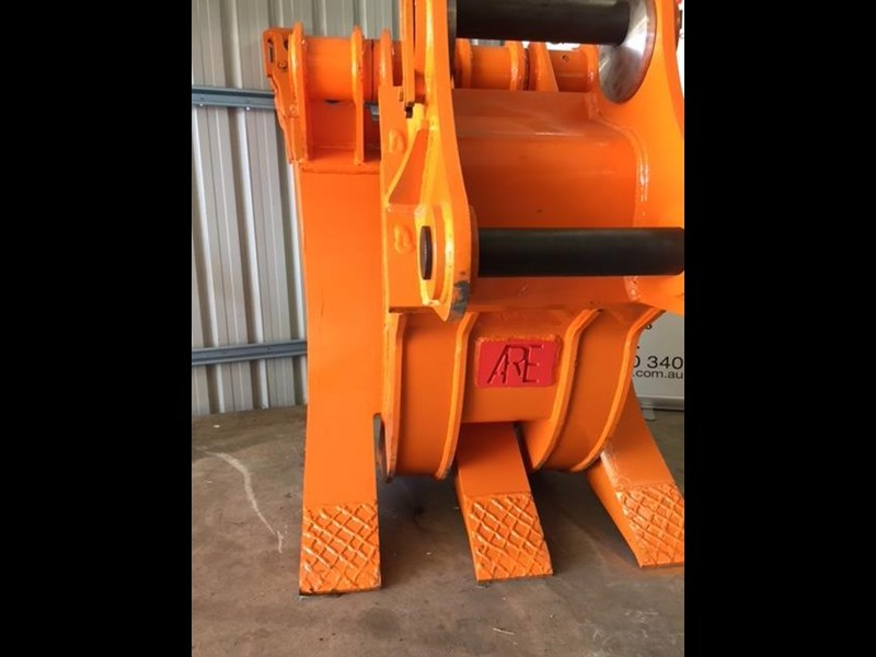 ar equipment are 20-24 ton log demo mechanical grab 444370 005